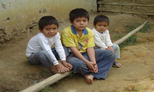 Zdjęcie KOLUMBIA / Cauca / Tierradentro / Miejscowi młodzi