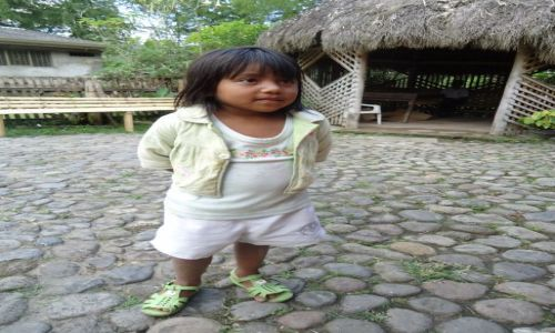 Zdjęcie KOLUMBIA / Cauca / Tierradentro / Dziewczynka