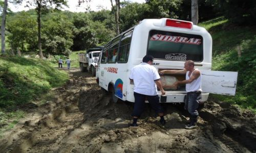 Zdjęcie KOLUMBIA / Caldas / droga Manizales - Salamina / Kolumbijskie drogi