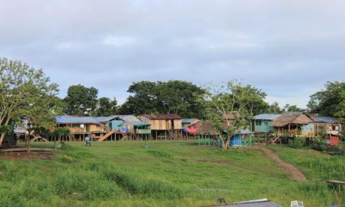 KOLUMBIA / amazonas / Leticia / domy na palach