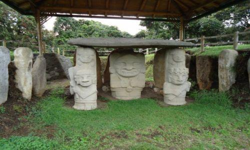 Zdjęcie KOLUMBIA / Huilla / San Agustin / Oryginalne posągi