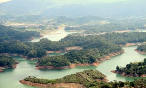 Zdjecie KOLUMBIA / Antioquia / Guatapé / Widok z El Peno