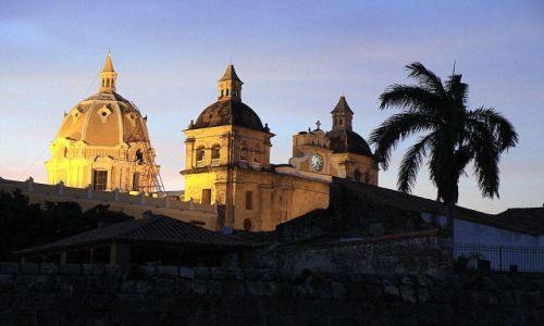 Zdjęcie KOLUMBIA / płn Kolumbia / Cartagena / Po zachodzie słońca...