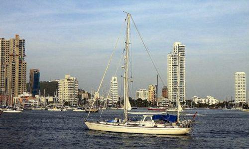 Zdjęcie KOLUMBIA / płn Kolumbia / Cartagena / Bahia de las Animas (Bocagrande)...z wody...