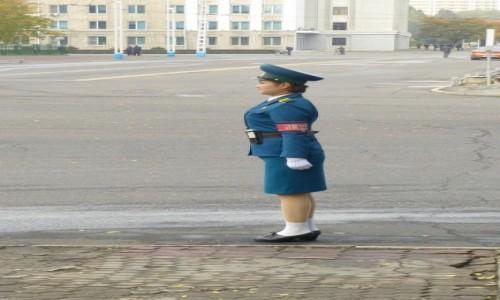 Zdjecie KOREA PÓŁNOCNA / Pyongyang / Pyongyang / Obserwatorka ruchu