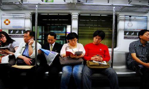 Zdjecie KOREA POŁUDNIOWA / Seul / w metrze / korea nie kazachstan