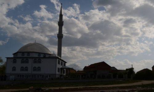 Zdjecie KOSOWO / gnijlne / okolice vitina / meczet