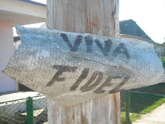 Zdjęcia: pd., pd., Papierowe poparcie, KUBA