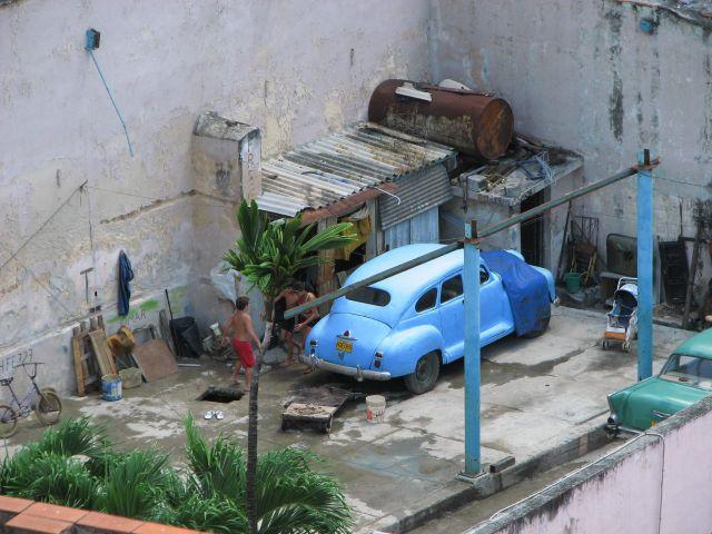 Zdjęcia: Havana, Kuba, na podwórku, KUBA