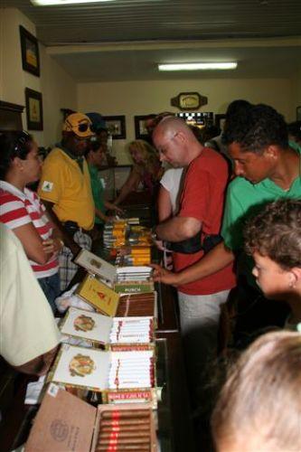 Zdjęcia: Hawana, Hawana, sklepik z cygarami, KUBA