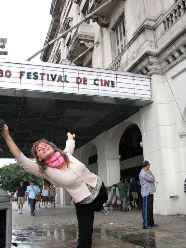 Zdjęcia: kino Pirat, habana vieja, w kinie, KUBA