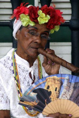 Zdjęcia: havana, kuba, .. a ja palę faję...., KUBA
