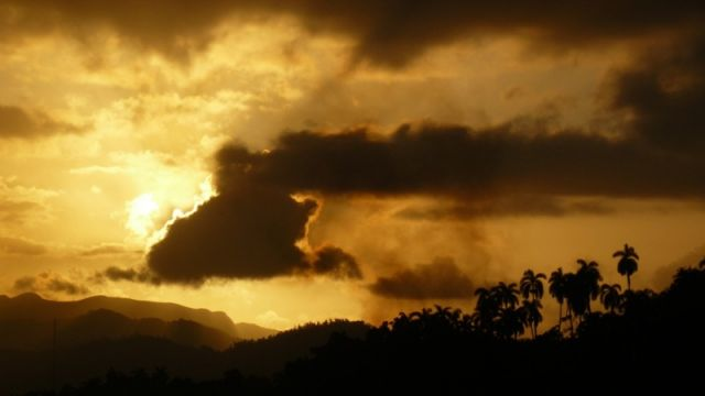 Zdjęcia: Baracoa, Zachód słońca w Baracoa, KUBA