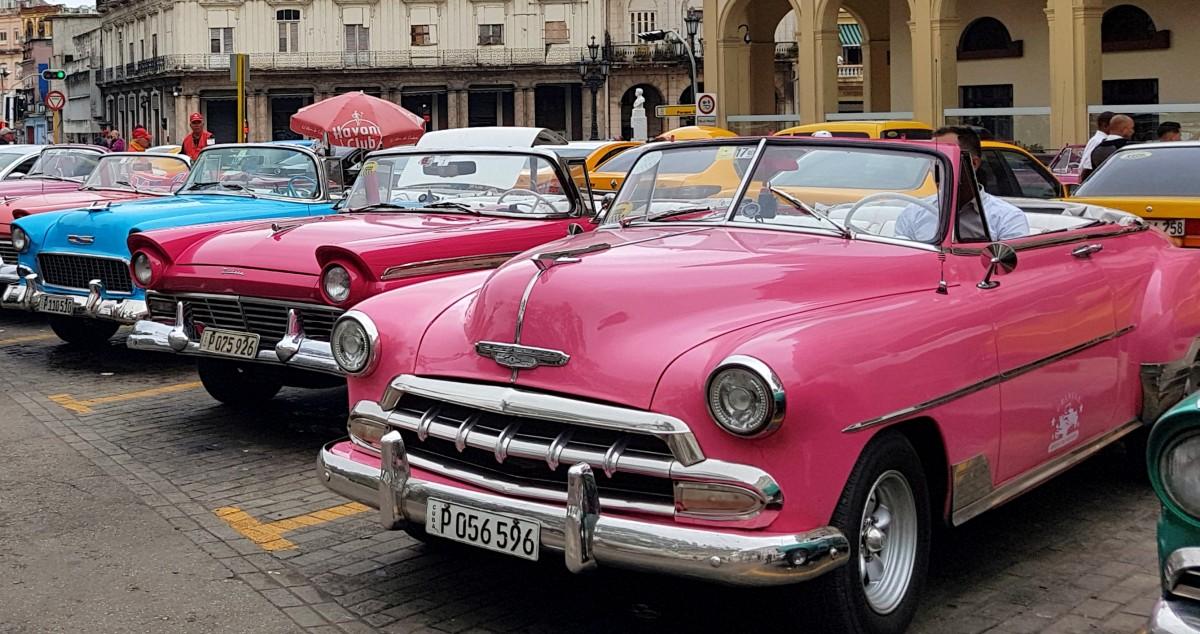Zdjęcia: Hawana, Różowe mają wzięcie, KUBA