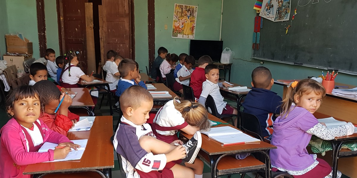 Zdjęcia: Sancti Spiritus, środkowa Kuba, Klasówka  :), KUBA