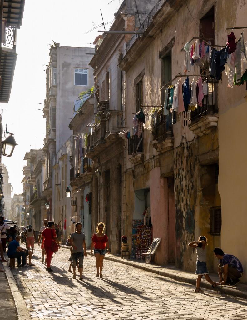 Zdjęcia: Stara Havana, Havana, Uliczka w upalne popołudnie, KUBA