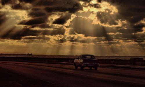 Zdjecie KUBA / Hawana / promenada Malecon / Malecon późnym popołudniem