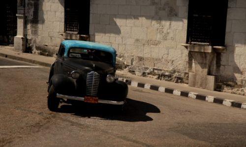 Zdjecie KUBA / Santiago de Cuba / centrum miasta / a jednak..., daje radę :)