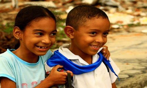 Zdjęcie KUBA / Camaguey / miasto / powrót ze szkoły...