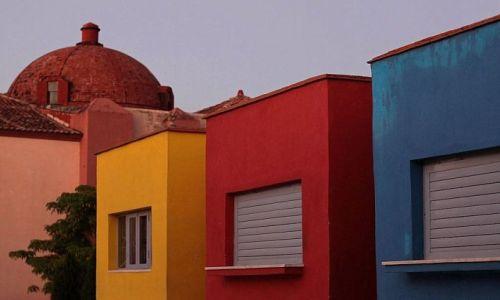 Zdjęcie KUBA / Camaguey / miasto / Żyj kolorowo ...szczególnie, gdy nie masz wyjścia :)