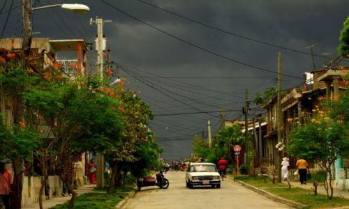 Zdjecie KUBA / wschodnia Kuba / Guantanamo / plątanina drutów...