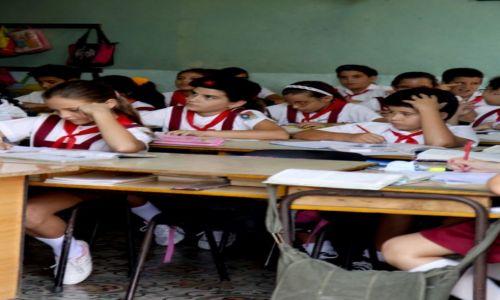 Zdjęcie KUBA / środkowa Kuba / Camaguey / Szkoła pod wezwaniem Che..