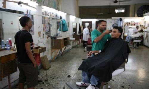Zdjecie KUBA / La Habana / Hawana / Fryzjer
