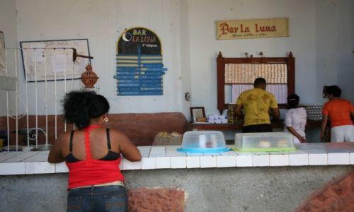 KUBA / La Habana / Hawana / Bar pod księżycem (Bar la Luna)