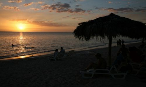 KUBA / Sancti Spiritus / Trynidad de Cuba / Na plaży w Trynidad