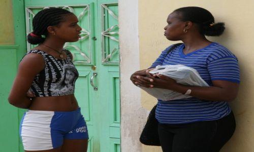 Zdjęcie KUBA / Sancti Spiritus / Trynidad de Cuba / Koleżanki