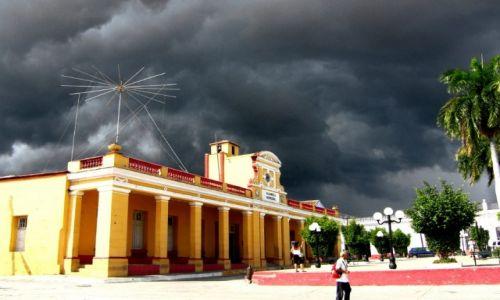 Zdjecie KUBA / - / Trinidad / cisza przed burzą