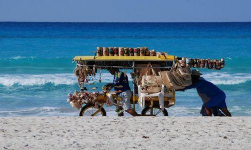KUBA / Varadero / gdzieś nad morzem / Sprzedawca pamiątek