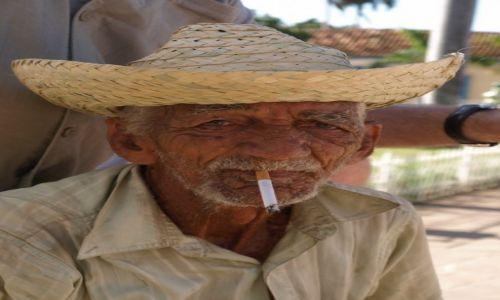 Zdjęcie KUBA / Trinidad / Trinidad / Kubański weteran