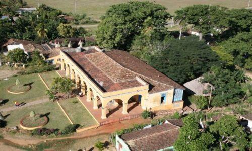 Zdjecie KUBA / Valle de los Ingenios  / Manaca Iznaga / Na plantacji trzciny cukrowej