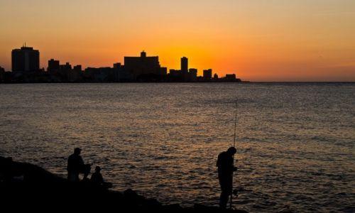 Zdjęcie KUBA / Havana / Havana / Zachód słońca na Maleconie