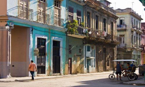 Zdjęcie KUBA / Havana / Havana / Uliczka w Centro 1