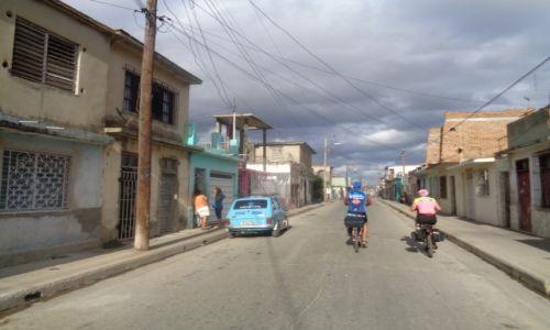 Zdjecie KUBA / camaguey / camguey / rowerami przez kube