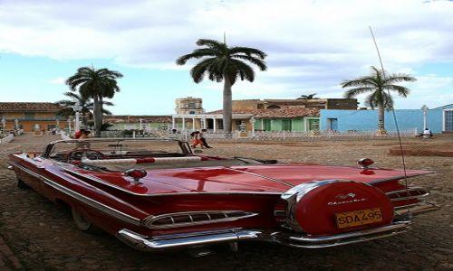 Zdjęcie KUBA / Sancti Spiritus / Trynidad de Cuba / Oldtimer z Trinidad