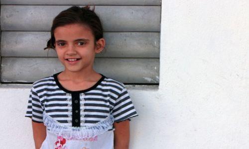 Zdjęcie KUBA / Cienfuegos / Cienfuegos / Dziewczynka w Cienfuegos