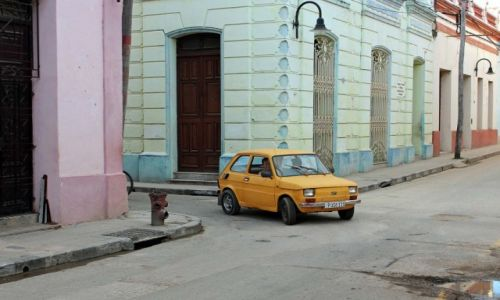 Zdjęcie KUBA / Camaguey / Camaguey / Polski maluch-Fiat 126p