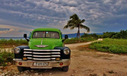 KUBA / - / okolice Trinidadu / Po prostu Kuba