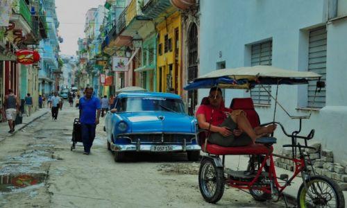 KUBA / Hawana / Hawana / Ka�u�a na ulicy