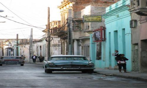 Zdjecie KUBA / - / Santiago de Cuba / takie samochody tylko na Cubie - jeszcze