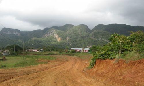 Zdjecie KUBA / Prowincja Pinar del Rio / Dolina Viniales / Bajeczny kras na Kubie