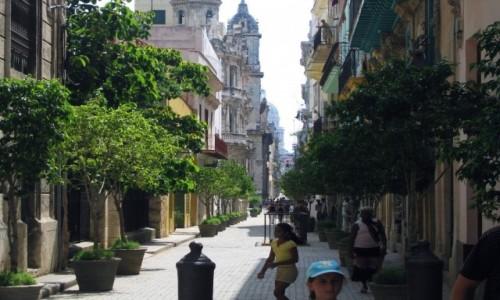 Zdjecie KUBA / Hawana / Hawana / Zabytkowa ulicz