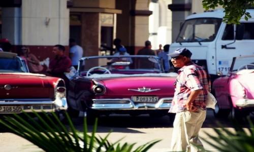Zdjecie KUBA / Hawana / La Habana Vieja / Kr��owniki szos
