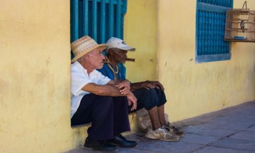 Zdjecie KUBA / trynidad / trynidad / Typowi miejscow