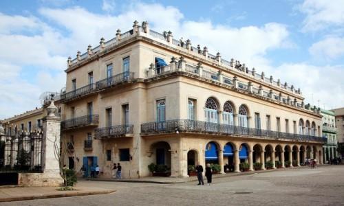 Zdjęcie KUBA / La Habana  / Hawana Vieja / Pamiątki świetności