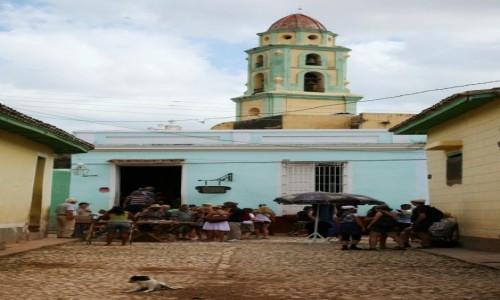 Zdjęcie KUBA /  Sancti Spiritus / Trynidad de Cuba  / W okolicy baru