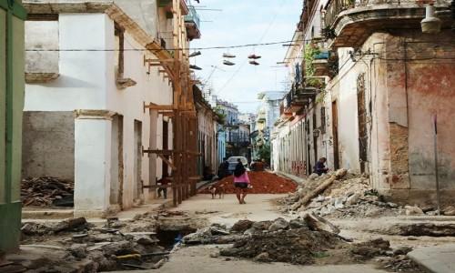 Zdjęcie KUBA / Hawana / Hawana Vieja / Opowieści ulicy